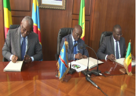 Signature de l'accord de jumelage tripartite